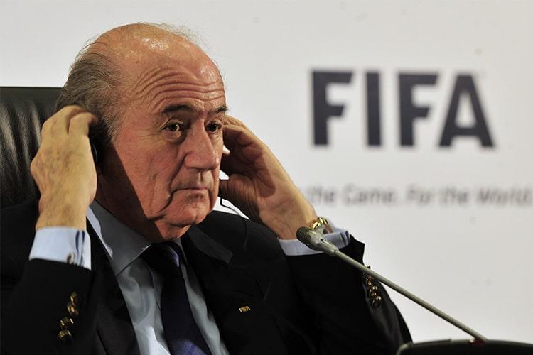 Blatter e Platini, quando il calcio è un affarone