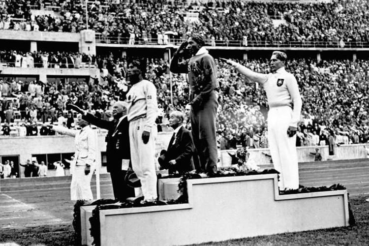 Jesse Owens: il nero che incantò Hitler