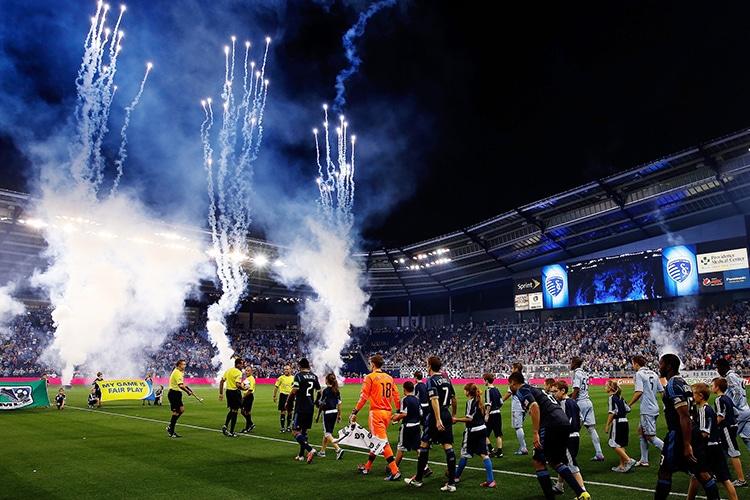 Calcio a stelle e strisce: il Soccer sfida l'Europa