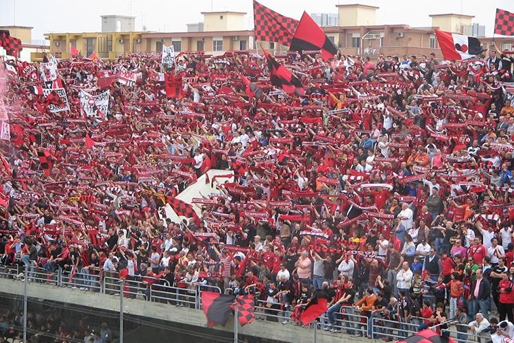 """Operazione """"Sold Out"""" per Foggia vs Lecce. Fuori i tifosi e dentro polemiche e irregolarità"""