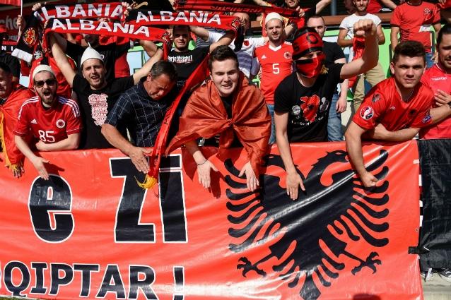 La notte di gloria dell'Albania per l'orgoglio e l'unità nazionale