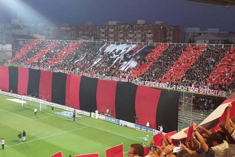 Lega Pro, Foggia vs Pisa, c'è stato il rischio Ancona. L'anno prossimo gare secche e campo neutro