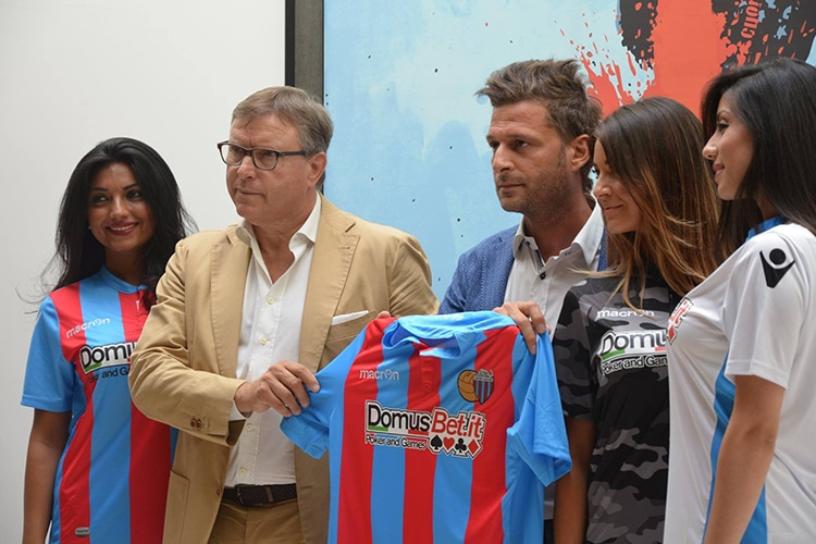 Dopo le partite truccate, il Catania riparte dalle scommesse: Domus Bet è il nuovo sponsor degli etnei