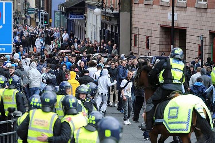 Quando la violenza non è ancora maggiorenne..oltre cento under 18 allontanati dagli stadi inglesi