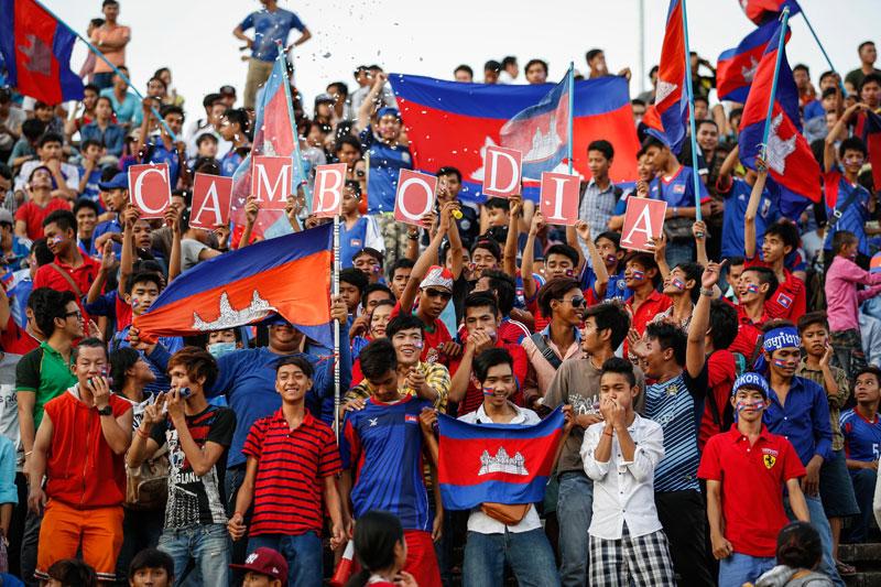 Il Calcio in Cambogia tra ONG, lavoro a basso costo e combattimento tra galli