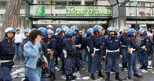 Calcio, tifo e periferie: perché a Roma uccidono la gioventù?