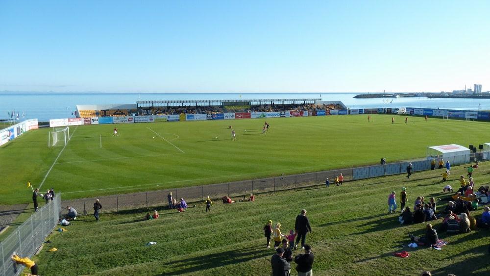 Alla scoperta del calcio islandese (e faroese) coi suoi fans italiani