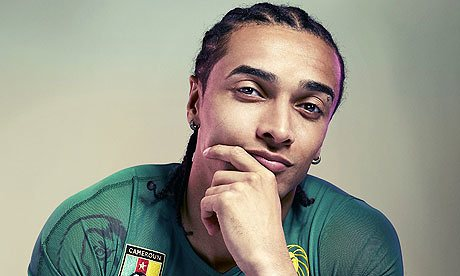 Un alieno nel mondo del calcio: le mille guerre di Benoit Assou-Ekotto