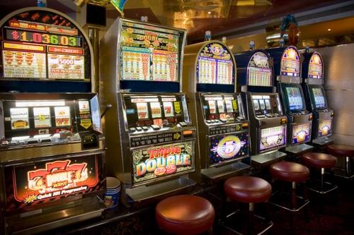 Gioco d'Azzardo: il Governo fa un passo indietro ma i tabaccai non ci stanno