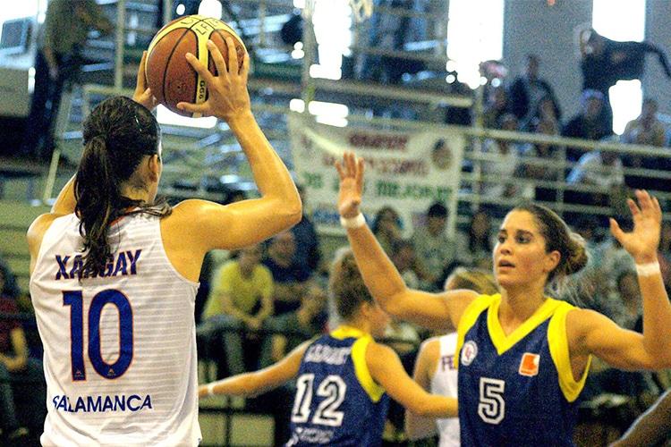 Se fai figli non giochi: l'assurda clausola del basket spagnolo