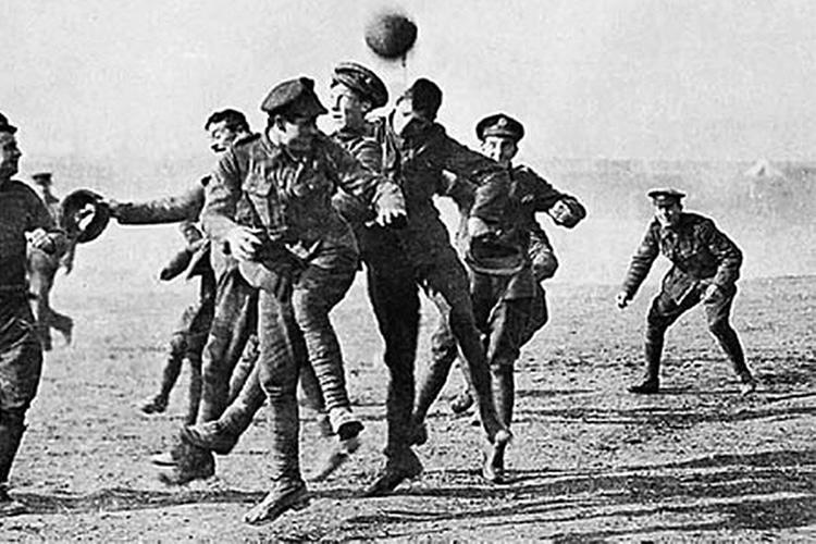 La partita di Natale: quando il calcio sconfisse la Grande Guerra