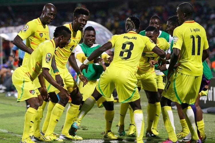 Il Togo in Gabon sfida la maledizione. Adebayor, il capitano senza contratto