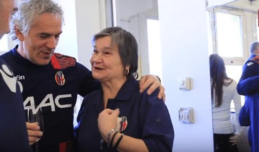 Il Bologna e i 38 anni di lavoro di Angela: una festa per salutarla