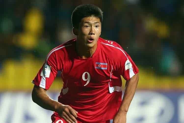 Kwang Song Han, primo nordcoreano del calcio italiano per cancellare Pak Doo Ik
