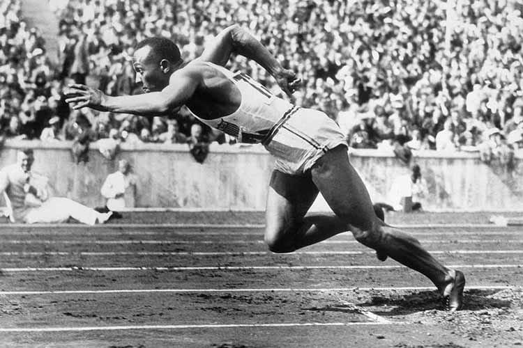 Le Olimpiadi del 1936 a teatro: storie di uomini, di guerra e di sport