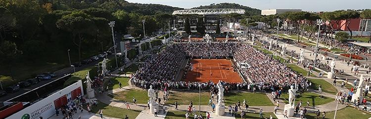 Internazionali d'Italia: Federer, Schiavone e le solite polemiche
