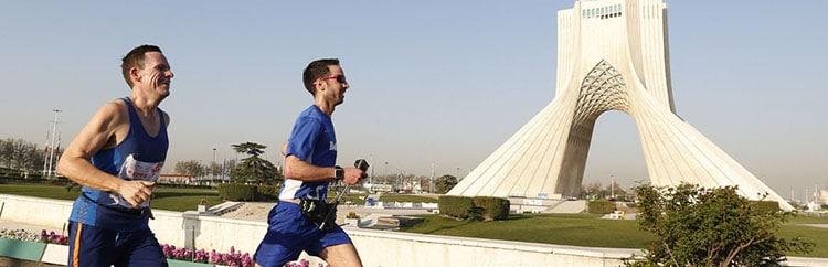Teheran Marathon: in corsa tra discriminazioni di genere e automobilisti imbufaliti