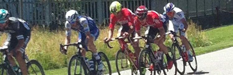 Un giorno col Giro: la vita vera di un paese attraversato dalla Corsa Rosa