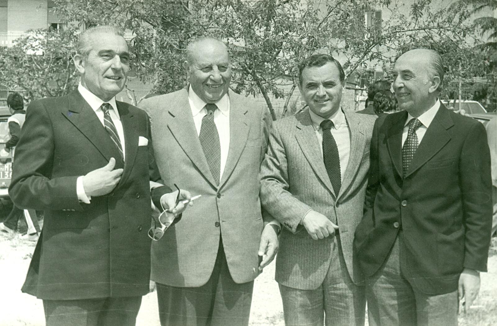 Nel giorno della promozione in D nella foto spiccano il presidente della Lodigiani Malvicini e quello della Roma Dino Viola