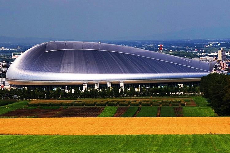 Sapporo Dome: lo Stadio della gente di Hokkaidō è un'astronave che viene dal futuro