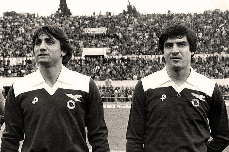 Il giorno in cui Roma e Lazio giocarono con la stessa maglia in onore di Paparelli