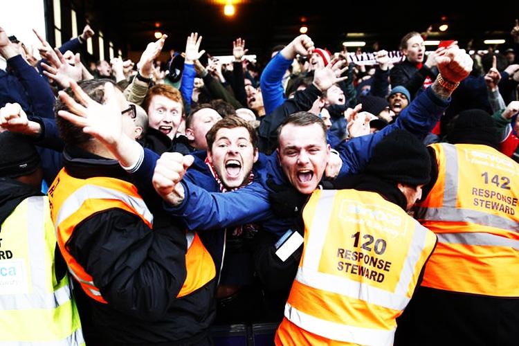 Amore ad ogni costo: quanto pagano i tifosi in Premier League per vedere un goal della propria squadra