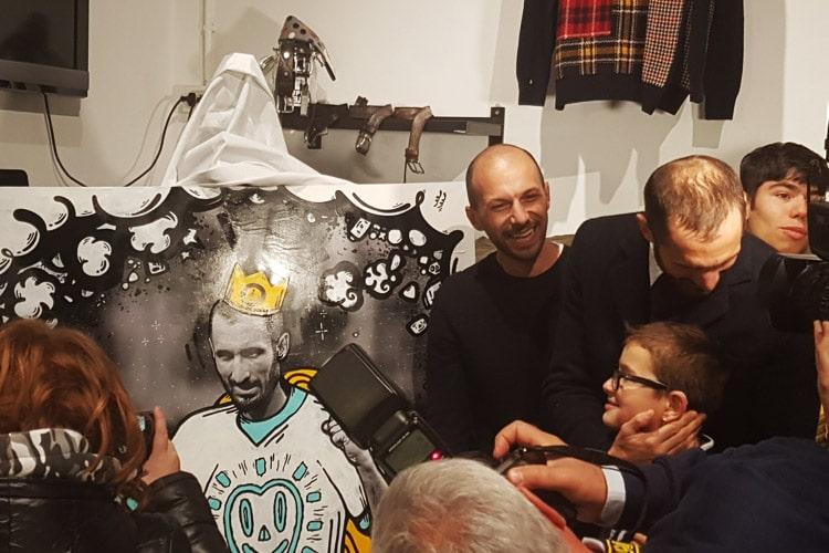 Giorgio Chiellini diventa un'opera d'arte ed è sempre più Insuperabile