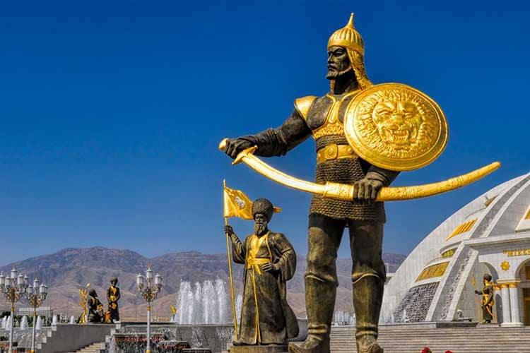 Ashgabat Olympic Complex, la bellezza fredda del marmo nel deserto del Turkmenistan