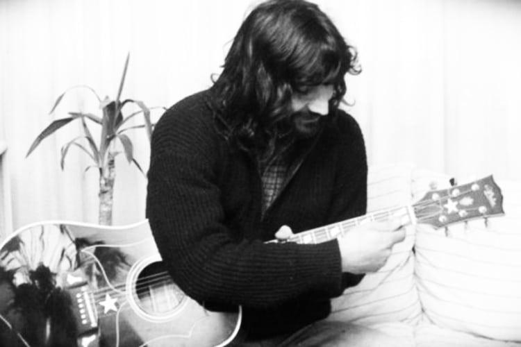 """Il """"Best friulano"""": Ezio Vendrame, la mezzala che sarebbe diventata un poeta"""
