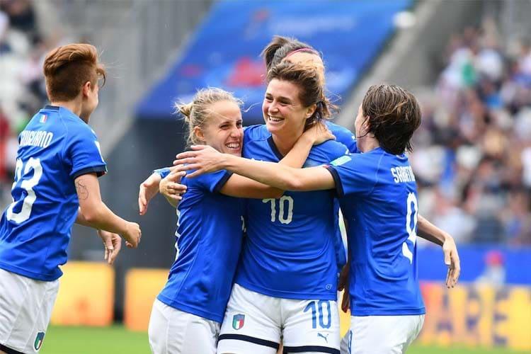 Sport femminile: chiamateci Professioniste